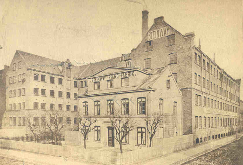 Eine Fabrikansicht von 1880 (Foto: Steinway SPIRIO)