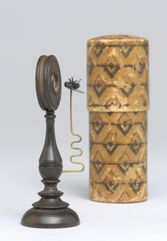 Frühes einfaches Lupenmikroskop