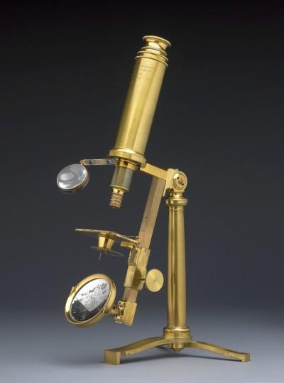 Großes achromatisches Mikroskop (V. u. C. Chevalier), Paris, um 1830, Wissenschaftliches Kabinett, Wien