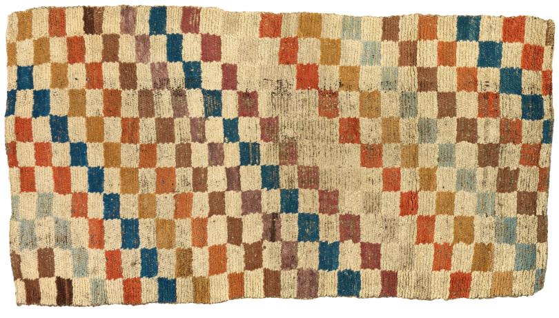 Schachbrett-Teppich, Tibet, 19. Jh., 152,4 x 78,7 cm, angeboten von Michael Woerner, Hongkong / Bangkok (Foto: Michael Woerner, Hongkong / Bangkok)