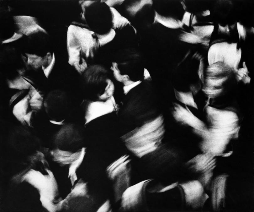 János Szász, School ball (Dance in unison), 1965 (Foto: Nachlass János Szász)