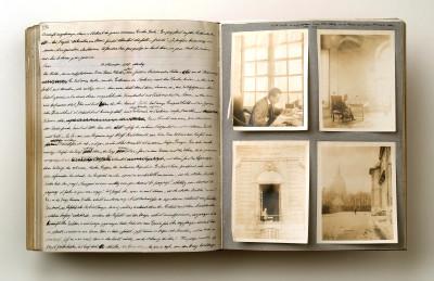 Ein Blick in eines von Kesslers unerschöpflichen Tagebüchern mit Fotos und Eintrag vom 11. November 1908 (Foto: DLA Marbach)