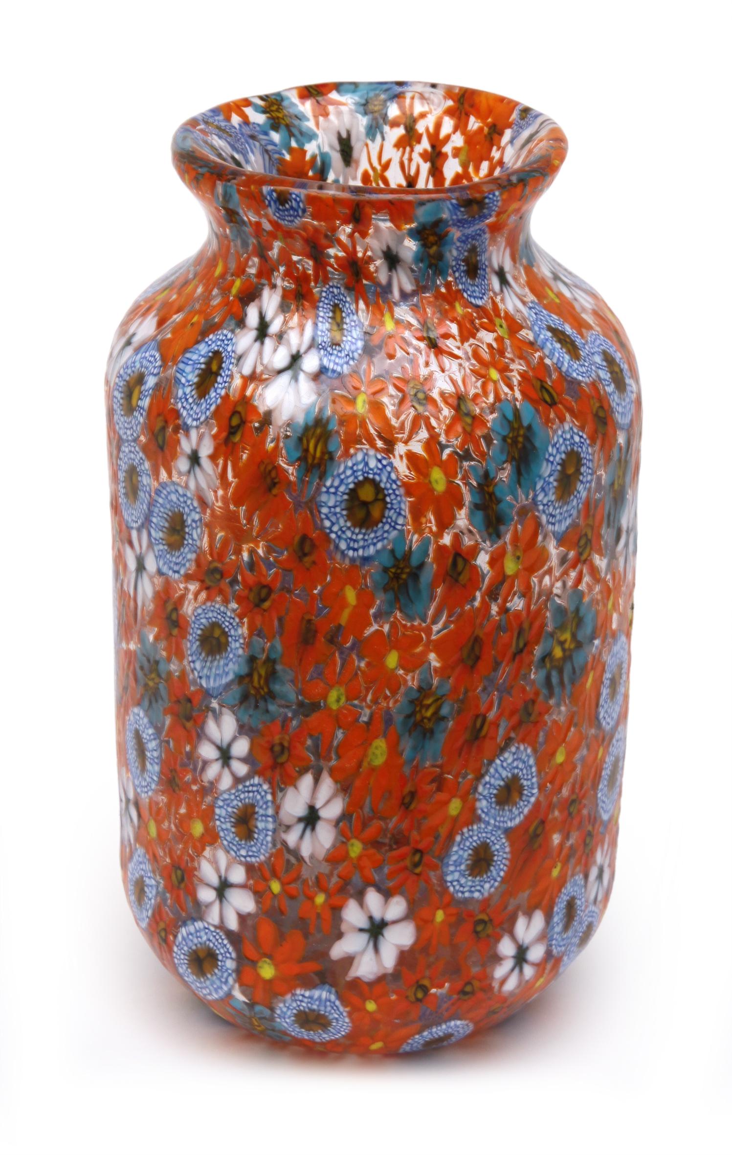 Die Vase »Kiku« von Ermanno Toso, um 1955, wurde am 24. Mai 2014 bei Herr in Köln aufgerufen, Limit 2400 Euro (Foto: Herr, Köln)