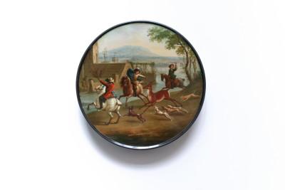 Dose aus Papiermaschee der Manufaktur Stobwasser mit der Darstellung einer Hetzjagd, um 1820