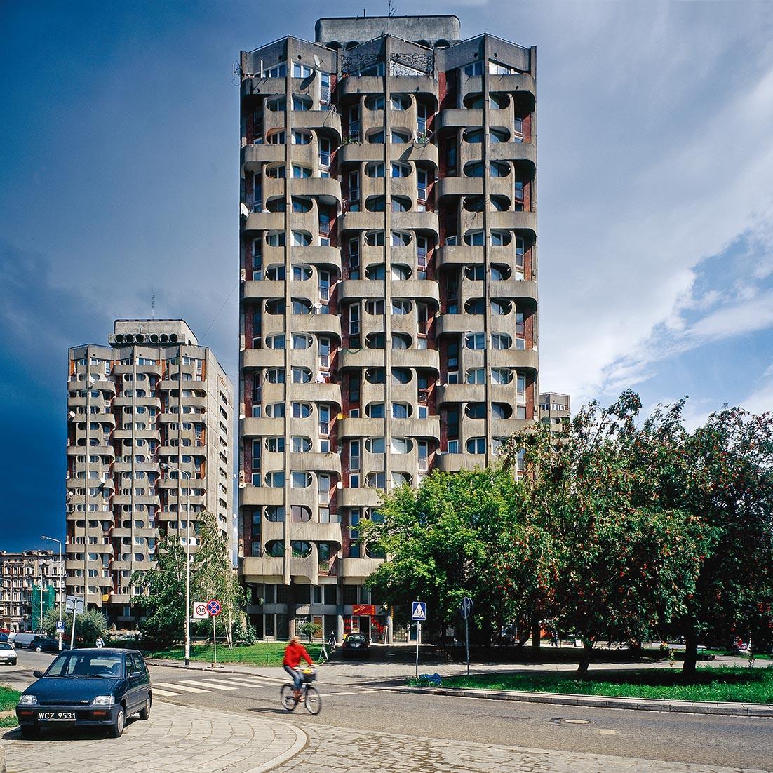 Der Grunwaldzki-Platz in Wrocław mit einem Gebäude von 1968–1978 der Architektin Jadwiga Grabowska-Hawrylak, Foto: Nicolas Grospierre