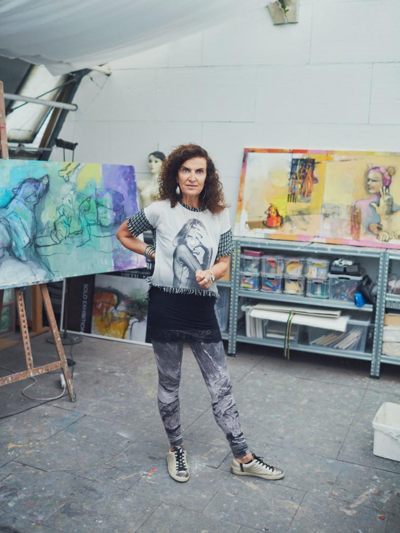 Ilana Lewitan in ihrem Glashaus-Atelier im Münchener Norden (Foto: Julian Baumann)