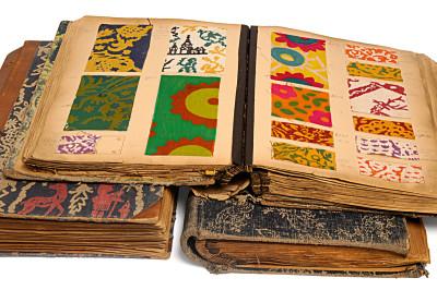 Musterbücher der Wallach-Werkstätten in Dachau, um 1920 (Foto: Jüdisches Museum, München)
