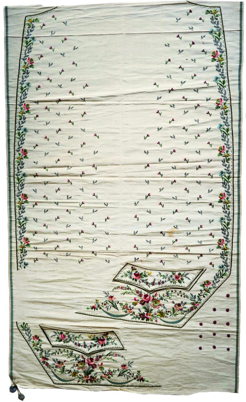 Noch nicht zugeschnittenes Herrengilet aus der großartigen Schweizer Sammlung Kamer-Ruf, Seidenstickerei auf Seide, Frankreich, um 1775/1785