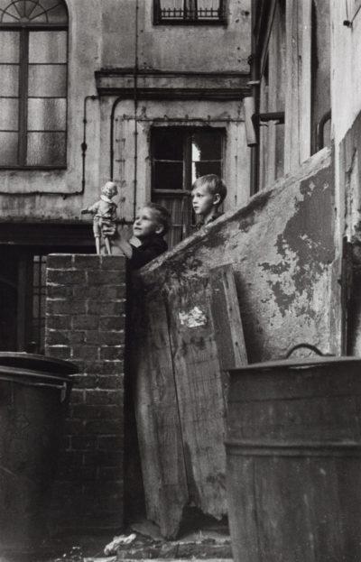 Ostberlin, Marienstrasse, 1964 (Foto: Sibylle Bergemann)