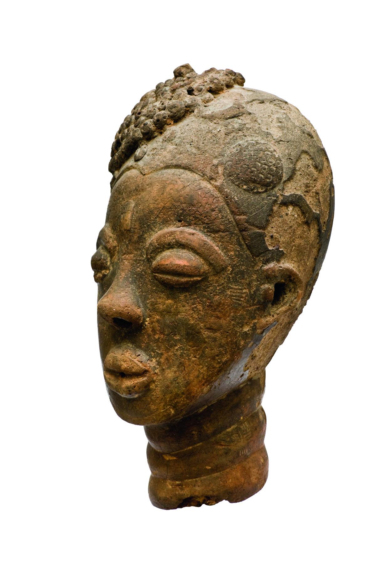 Akan-Kopf aus dem 17. Jh. (Foto: Dos Winkel/Sammlung Ludo und Ria Schellens/Salon Eindhoven)