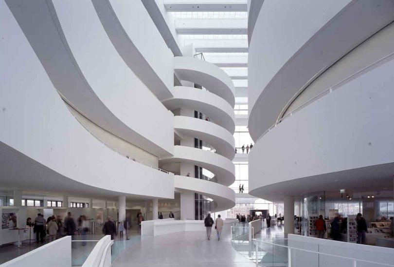 Das Innere des ARoS Aarhus Kunstmuseums