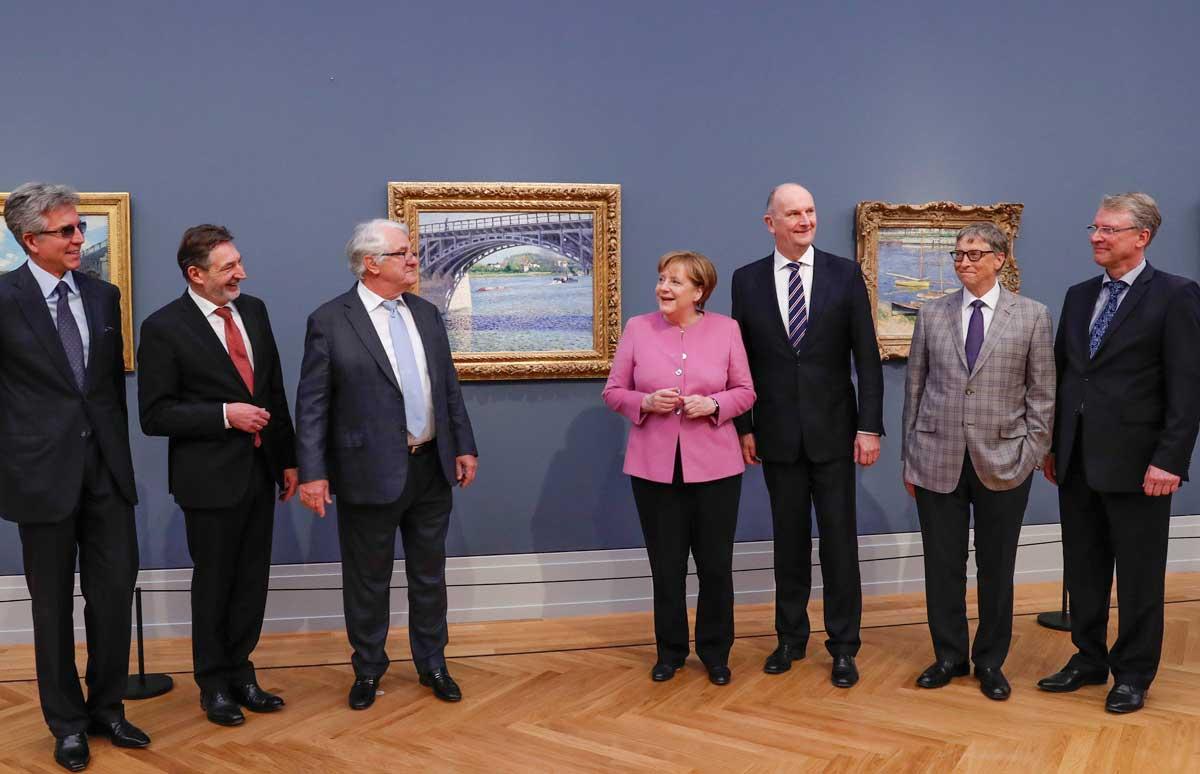 Bill McDermott, Jann Jakobs, Hasso Plattner, Angela Merkel, Dietmar Woidke, Bill Gates und Christoph Meinel im Museum Barberini
