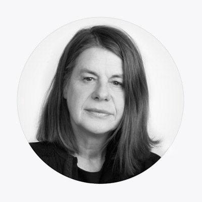 Annegret Erhard ist ehemalige Chefredakteurin von KUNST UND AUKTIONEN. Den Markt beobachtet sie seit vielen Jahren.