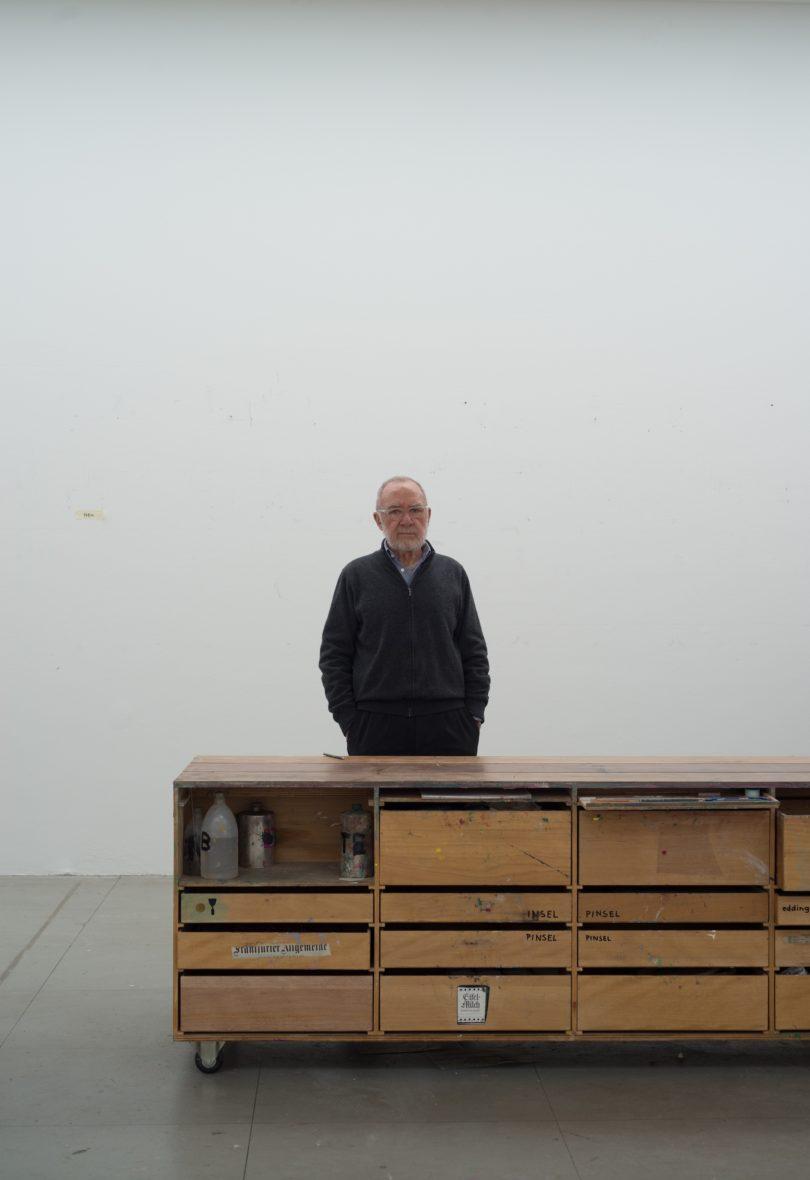 Gerhard Richter in seinem Kölner Atelier (Foto: Gerhard Richter, 2015, Albrecht Fuchs)