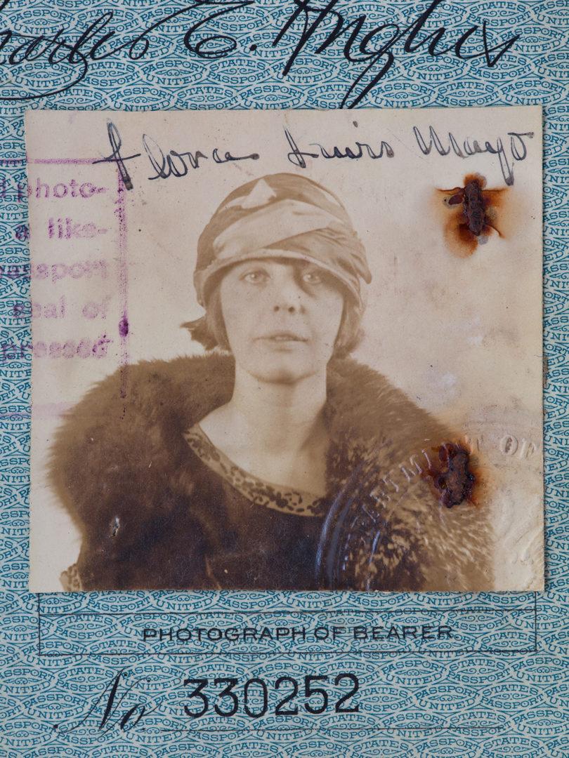 Die unbekannte Künstlerin: Flora Mayos Pass. Foto: Teresa Hubbard/Alexander Birchler/Courtesy the Artists and Tanya Bonakdar Gallery