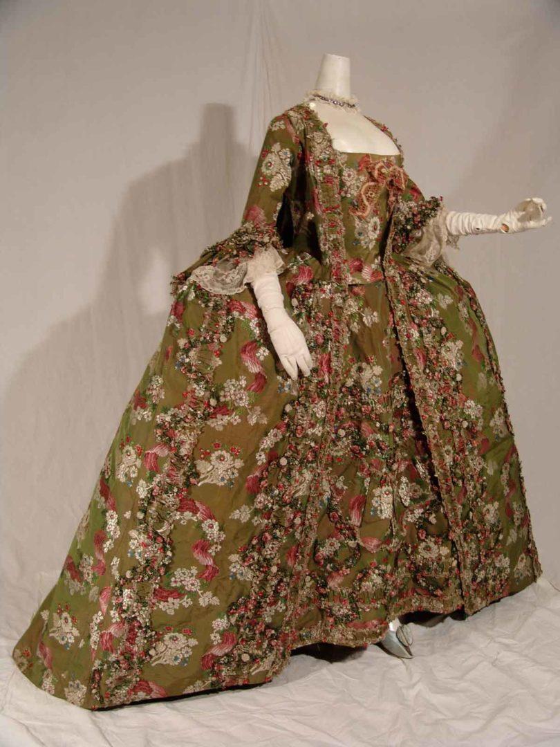 Robe à la française, um 1765 (Foto: Galerie Ruf AG)