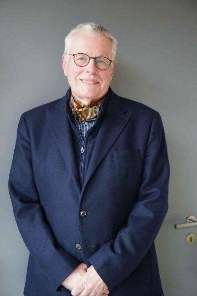 Seit 36 Jahren handelt Wolfgang Ruf mit historischen Stoffen