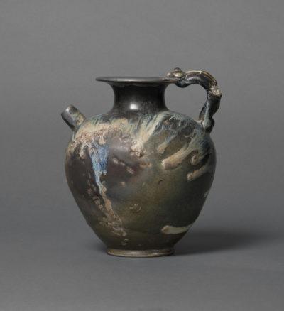 Kanne, Huangdao-Ware, Steinzeug, China, Tang-Dynastie (618–907), Schenkung Dr. Heribert Meurer, 2017. (Foto: Paul Altmann)