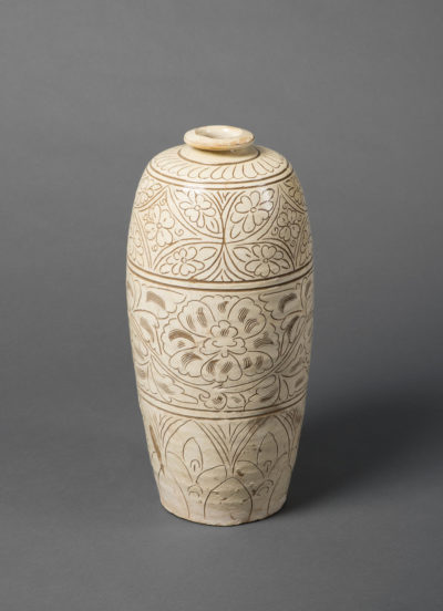 Meiping-Vase, Cizhou-Ware, Steinzeug, China, Song-Dynastie (960–1279). Schenkung Dr. Heribert Meurer, 2017. (Foto: Paul Altmann)