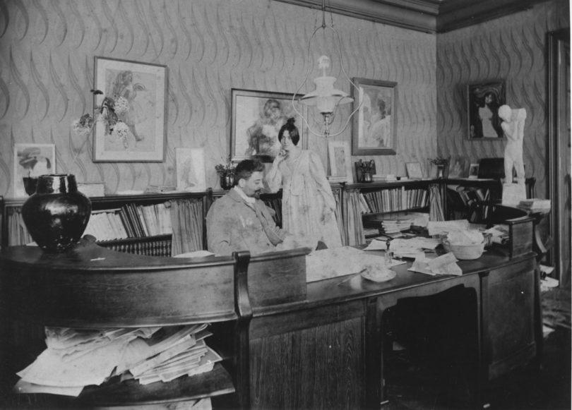 Julius Meier-Graefe und seine Frau Anna geb. Baurath im Pariser Arbeitszimmer, 1898, Fotografie (Foto: Archives & Musée de la Littérature a.s.b.l. Bruxelles)