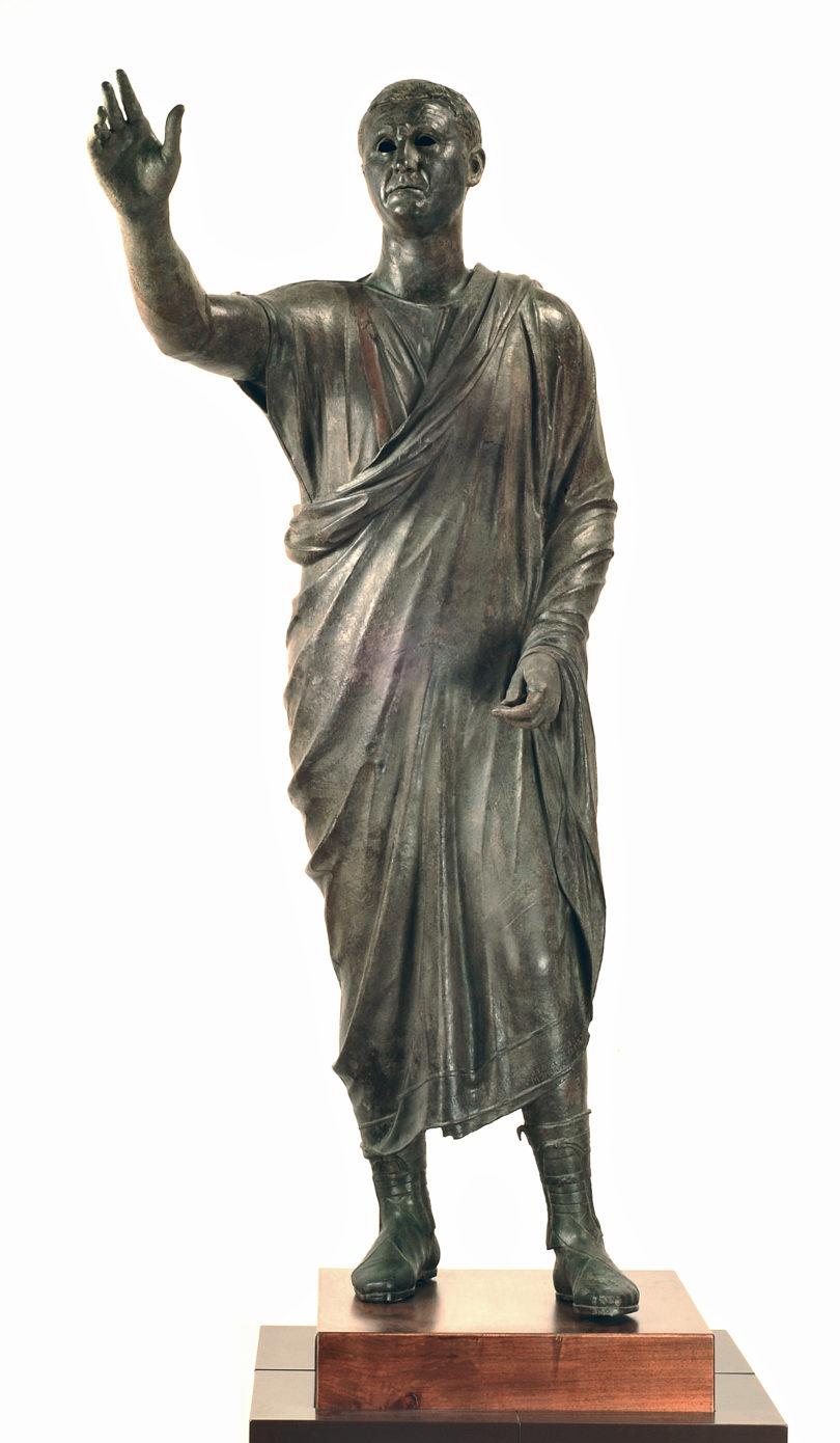 Bronzestatue des Redners Avle Metele