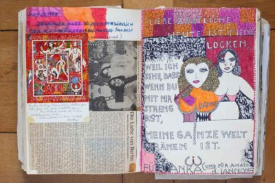 Dorothy Iannone, geboren in Boston, blieb wie viele Künstler nach einem DAAD-Stipendium in Berlin. In den meisten ihrer psychedelischen Bilder, Filme und Objekte propagiert sie die sexuelle Befreiung. In diesem Doppelbildnis hat sie sich und ihre Zahnärztin Danka Gotfryd – mit herzförmigem Gesicht – festgehalten (Foto: Nora Ströbel)
