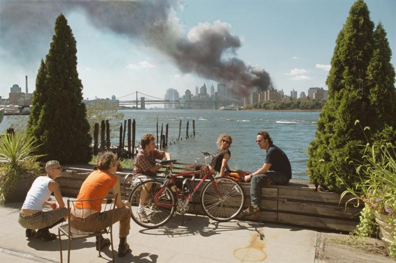 Thomas Höpker, Blick von Williamsburg, Brooklyn, auf Manhattan, 11. September 2001, Credit: Thomas Hoepker/Magnum Photos/Agentur Focus