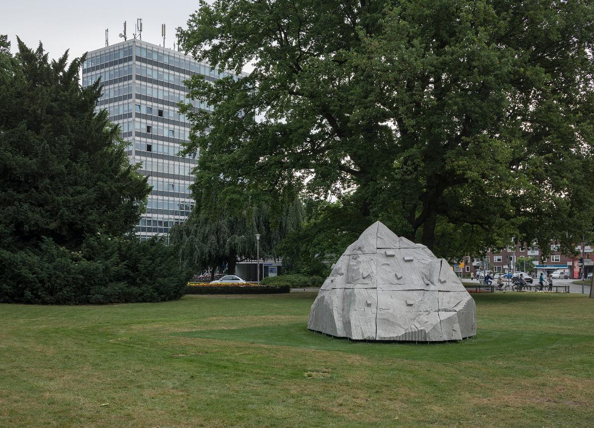 Warum Nietzsches Felsen jetzt in Münster steht - WELTKUNST, das ...