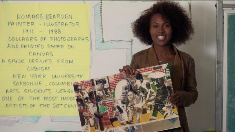 Nola Darling (DeWanda Wise) zeigt ihren Schülern eine Collage von Romare Bearden. Foto: Filmstill/Netflix