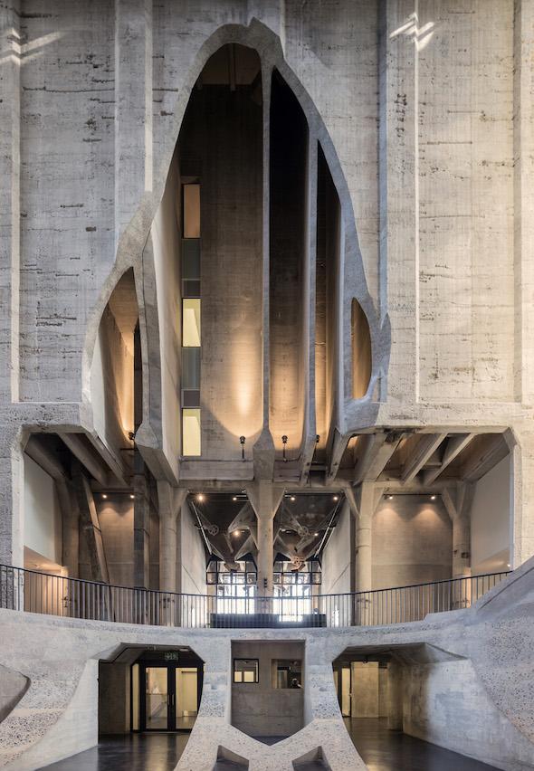 Das neue Zeitz-Museum für zeitgenössische afrikanische Kunst mit seinem spektakulären Foyer, Foto: Iwan Baan