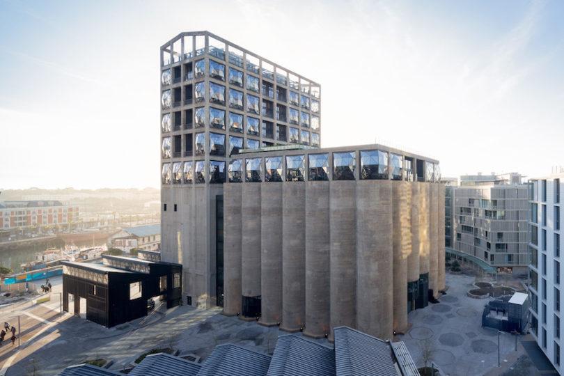 Oben im ehemaligen Getreidespeicher bietet das Luxushotel Silo einen Blick auf Kapstadt. Im unteren Teil sitzt das neue Zeitz-Museum für zeitgenössische afrikanische Kunst, Foto: Iwan Baan