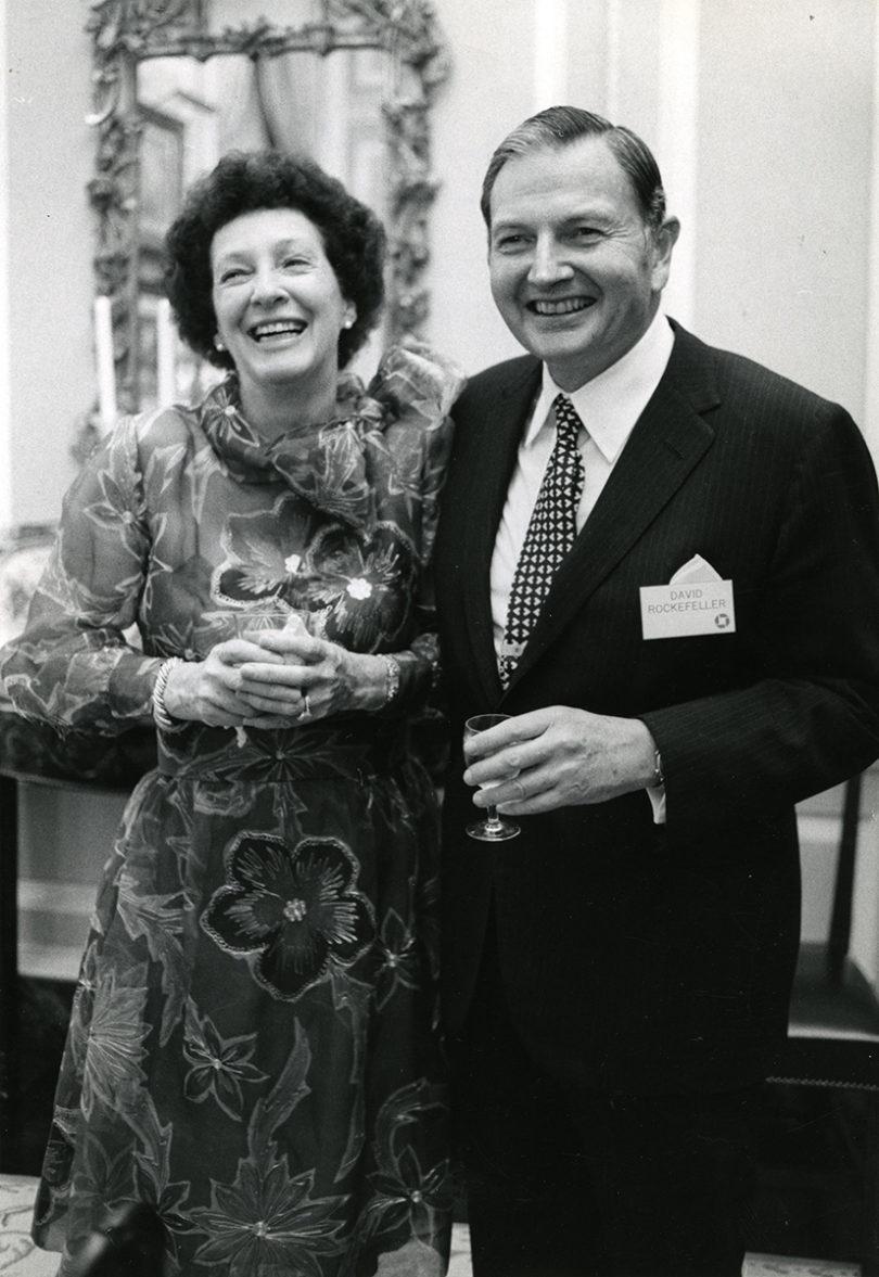 Peggy und David Rockefeller bei einem Empfang 1973. Photo: Arthur Lavine (Christie's)