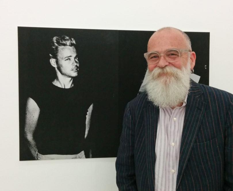 """Zeitreise: AA Bronson vor der General Idea-Arbeit """"Menage a Trois"""", die ihn im Jahr 1977 zeigt. Foto: Mark Jan Krayenhoff van de Leur"""