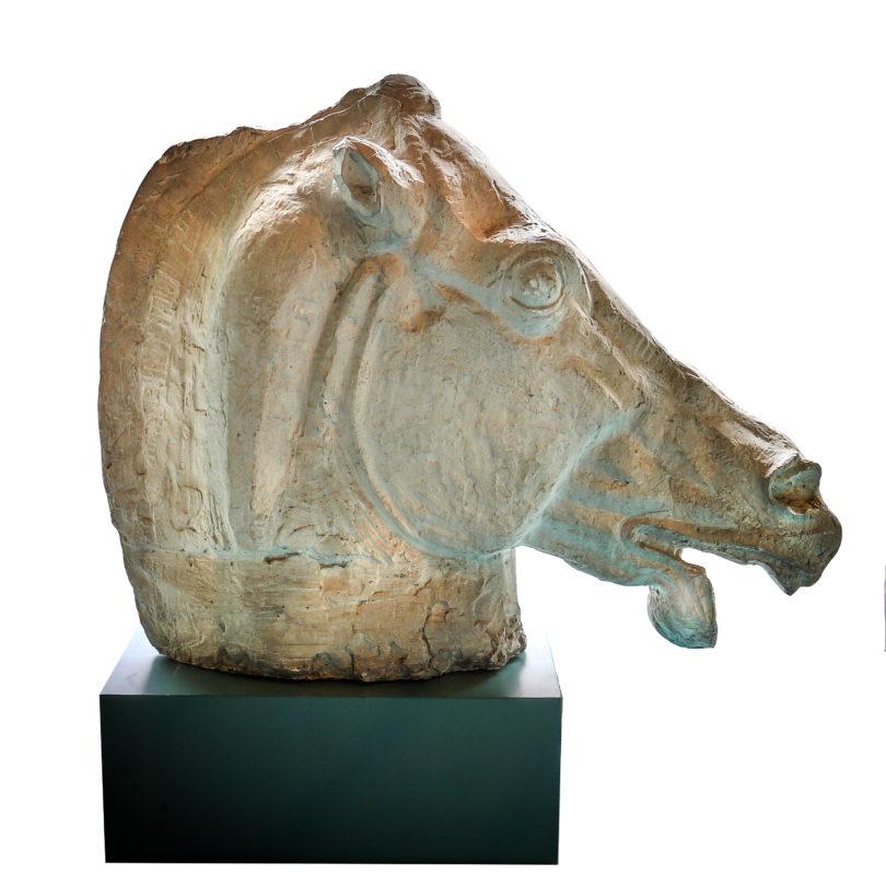 Skulptur eines Pferdekopfes nach den sogenannten antiken Elgin Marbles, die heute zum British Museum gehören - Paris um 1940 - épreuve d'artiste für eine Bronze, Höhe 67 cm, Breite 84 cm - Preis 4.900,-, bei Eric Meletta