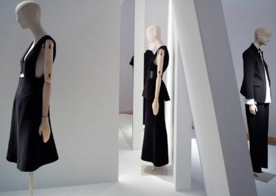 "Ausstellungsansicht ""Jil Sander. Präsens"", 2017 im Museum Angewandte Kunst © Paul Warchol"