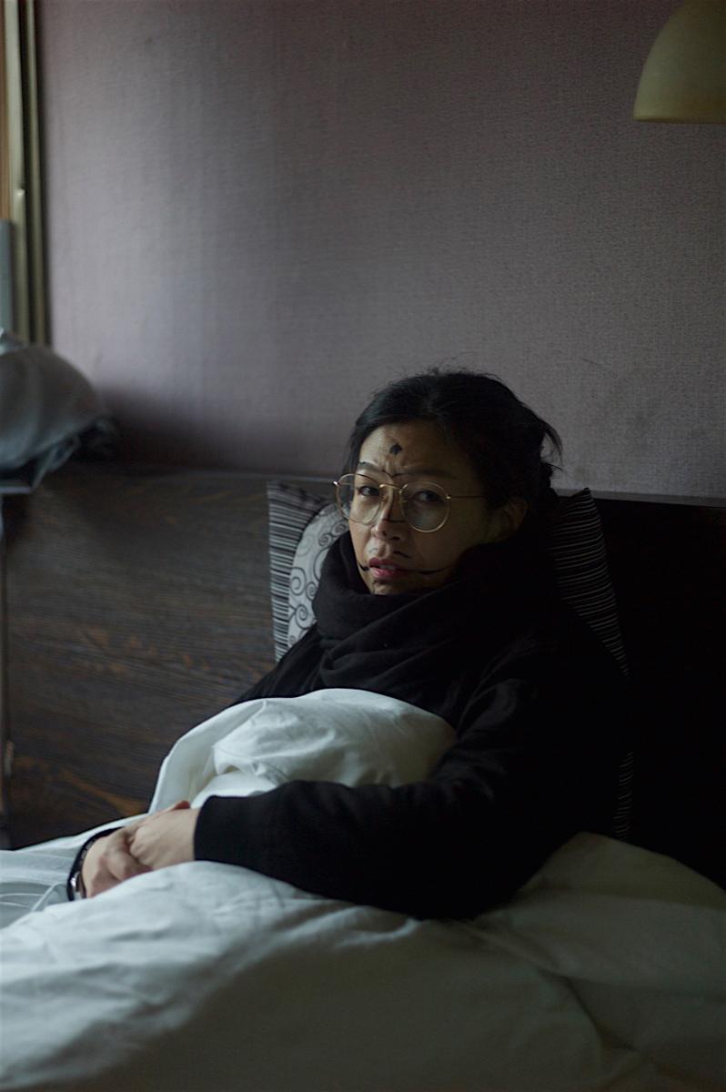Die Künstlerin, fotografiert von Danh Vō auf einer Recherchereise in China 2017 © Haegue Yang Foto: Danh Võ