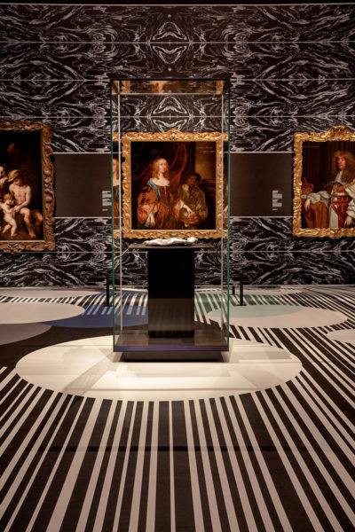 """Blick in die Ausstellung """"Kwab. Holländisches Design zu Zeiten Rembrandts"""", Foto: Rijksmuseum"""