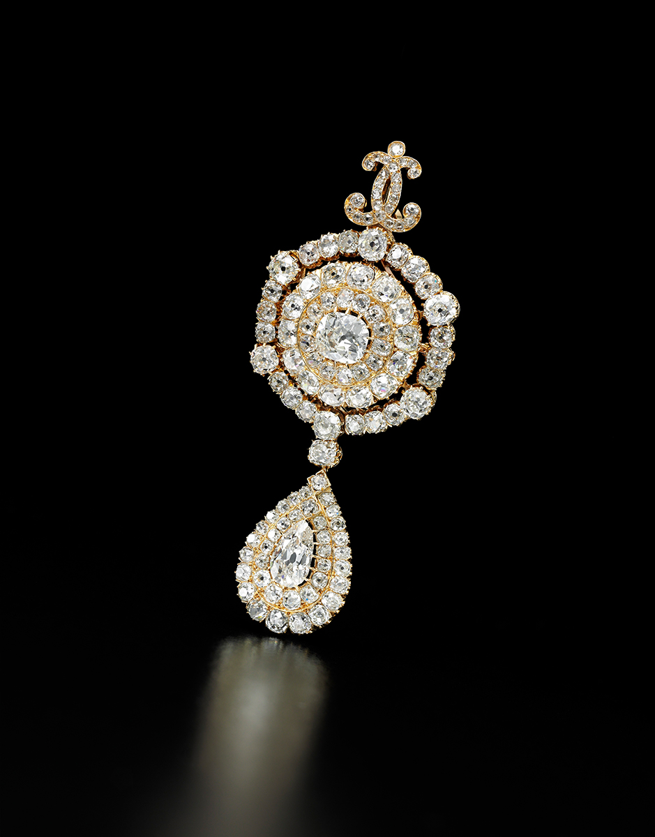 Diamant-Pendeloque-Brosche, Royal Jewels from the Bourbon Parma Family, Foto: Sotheby's
