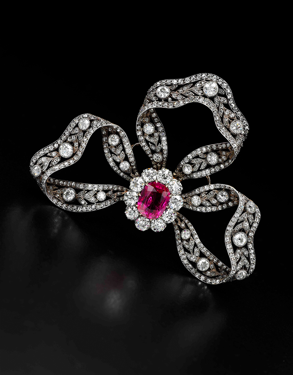 Diamantschleifen-Brosche, Royal Jewels from the Bourbon Parma Family, Foto: Sotheby's