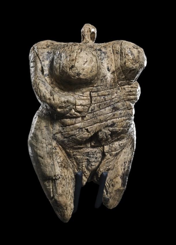 Venus vom Hohle Fels, Mammut-Elfenbein, ca. 40.000-35.000 Jahre alt © Urgeschichtliches Museum Blaubeuren, Foto: Johannes Wiedmann
