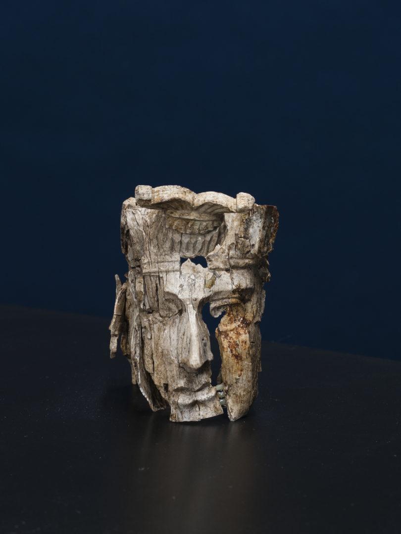 Schnitzereien des Totenbettes von Haltern, Knochen, 1. Jh. n. Chr. © LWL-Archäologie für Westfalen, Foto: Stefan Brentführer