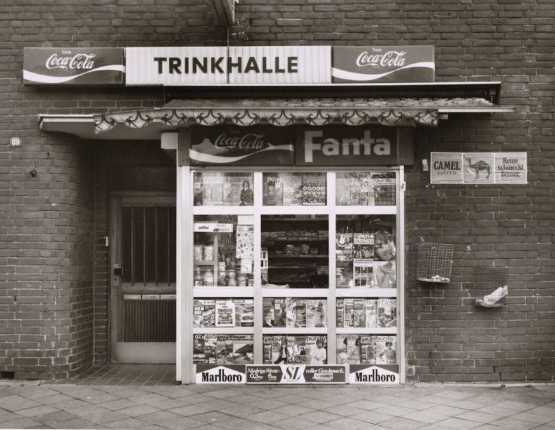 Tata Rockholz, Trinkhalle, Neuss, Gladbacher Straße 69, 1977, Gelatinesilberpapier © Tata Rockholz, Van Ham Art Estate 2018, Reproduktion: Rheinisches Bildarchiv Köln