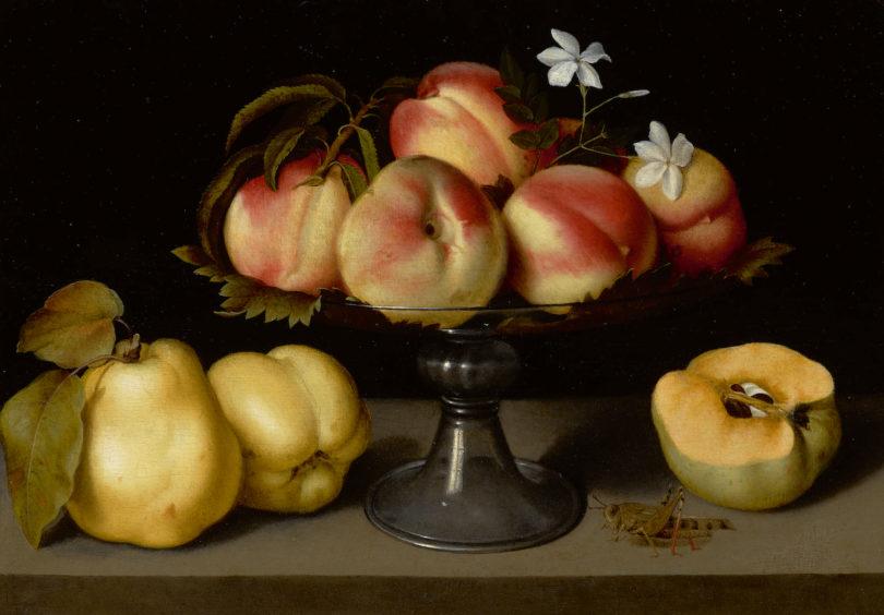 """Fede Galizia, """"Ein Glas mit Pfirsichen, Jasminblüten, Quitten und einer Heuschrecke"""", Öl/Holz, Sotheby's New York, Foto: Sotheby's, New York"""