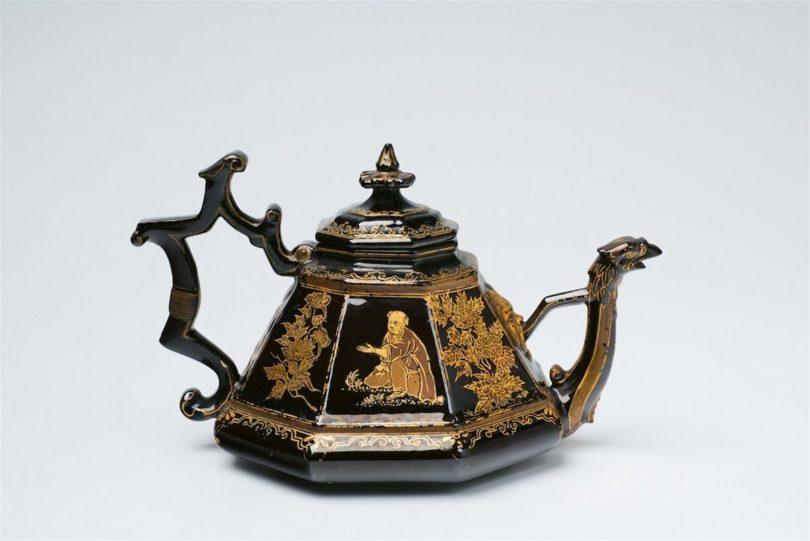 Teekanne mit Lackbemalung, Meißen, um 1710 - 15, das Modell dem Hofsilberschmied Johann Jakob Irminger, zugeschrieben, die Bemalung Martin Schnell, zugeschrieben, Foto: Metz, Heidelberg