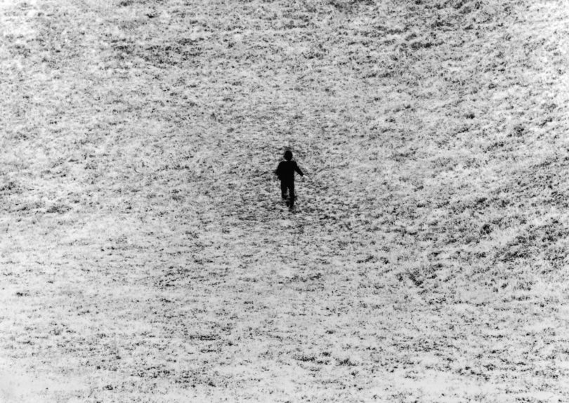 "Giovanni Anselmo, ""Entrare nell'opera (Entering the Work)"", 1971, Foto: Fondation Louis Vuitton, Paris"