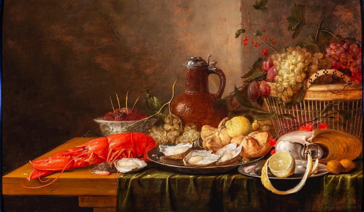Hauptrolle für Hummer Wenig ist über den niederländischen Stilllebenmaler Philips Gijsels bekannt, der 1650 in in die Den Haager Lukasgilde aufgenommen wurde. Eine Vorliebe für Krustentiere, deren Schattierungen er virtuos wiedergab, zieht sich wie ein roter Faden durch seine Gemälde. In den ungeordneten, doch stets durchdachten Kompositionen spielen Hummer die Hauptrolle – so auch in dem Stillleben, das P. de Boer für 80000 Euro anbietet. Neben dem Krebs besticht die 65 mal 110 Zentimeter große Leinwand mit Austern und einem Krug aus Irdengut, auf dem sich das Licht bricht. Foto: Kunsthandel P. De Boer