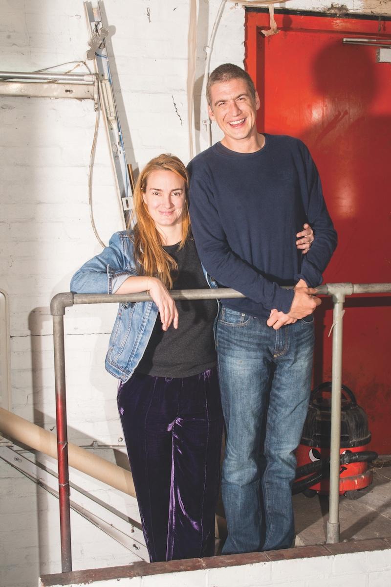 Maria Thurn und Taxis und Hugo Wilson 2018 in ihrem Londoner Atelier (Foto: Alexander Coggin)