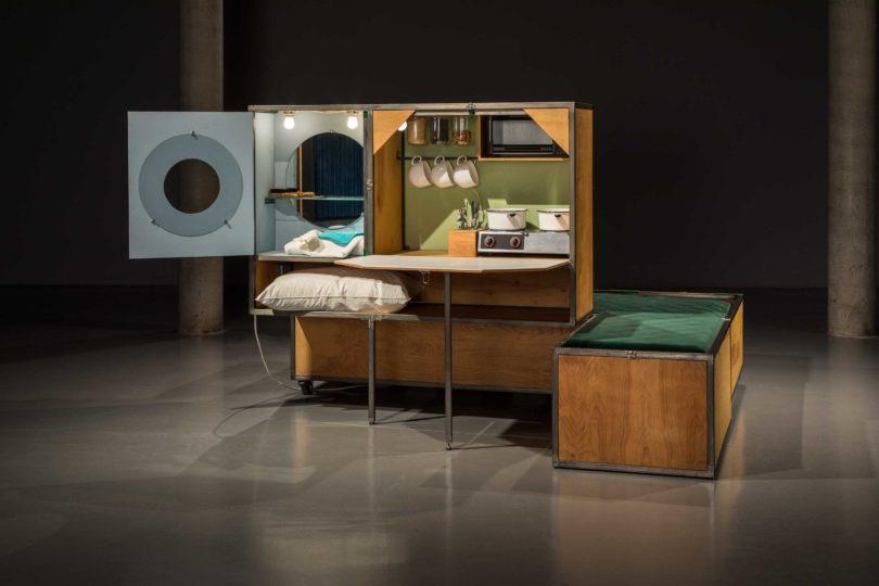Ausstellungsansicht, IDEAL STANDARD, Andrea Zittel, 1994 A-Z Living Unit, 2018 © Zeppelin Museum, Foto: Tretter