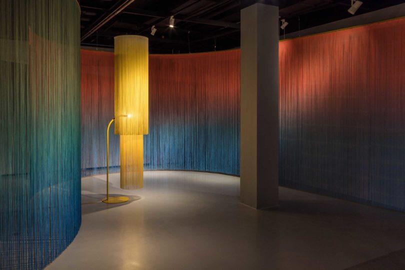 Ausstellungsansicht, IDEAL STANDARD, Erika Hock, Salon Tactile, 2018 © Zeppelin Museum, Foto: Tretter