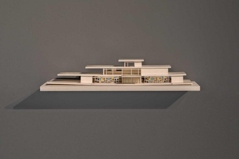 Ausstellungsansicht, IDEAL STANDARD, Katarina Burin, Hotel Nord-Sud, 2018 © Zeppelin Museum, Foto: Tretter
